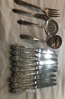 Deluxe by Home Decorators 1952 Vintage prestige Silver-plated Silverware 99 Pcs